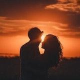 結婚したいと女性から伝えるのはあり?逆プロポーズの注意点とベストなタイミングとは