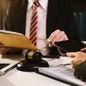 【弁護士との恋愛】弁護士と結婚したい!出会い方と結婚相手としての良し悪しまとめ